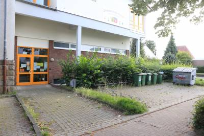 Eingang Grundschule Enger-Mitte (03.08.2020)